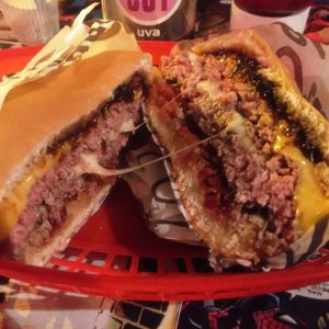 Hambúrguer Duplo Stunt Burger