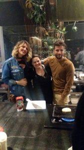 Gio Ewbank, Bruno Gagliasso e Chef Letícia Massura no lançamento do concurso Heinz Burger
