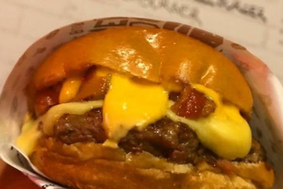 Cheese Burger do Chef - Bloody Hell Hamburgueria