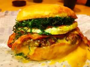 Bacon Egg Smash Burger - Guarita Burger